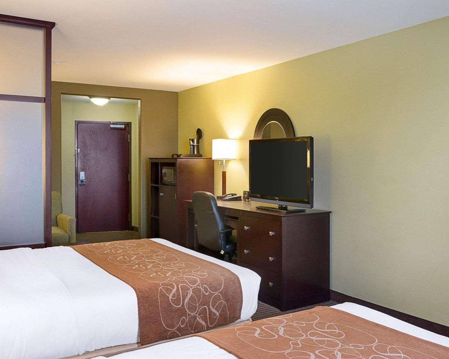 Room - Comfort Suites Harvey