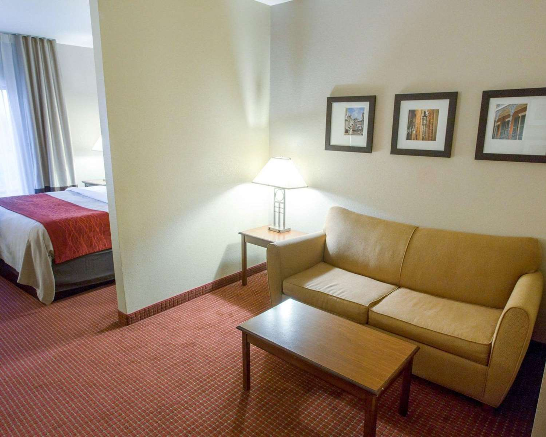 Suite - Comfort Inn New Orleans Airport St Rose