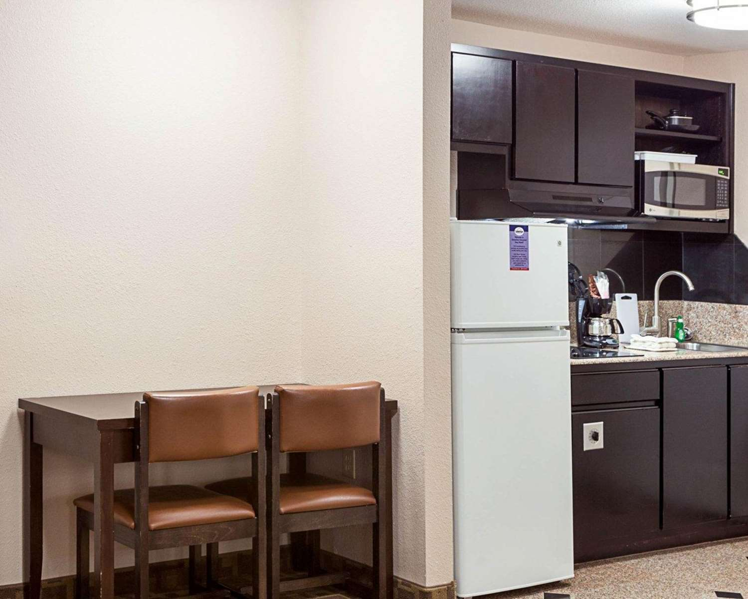 Room - Suburban Extended Stay Hotel LaPlace