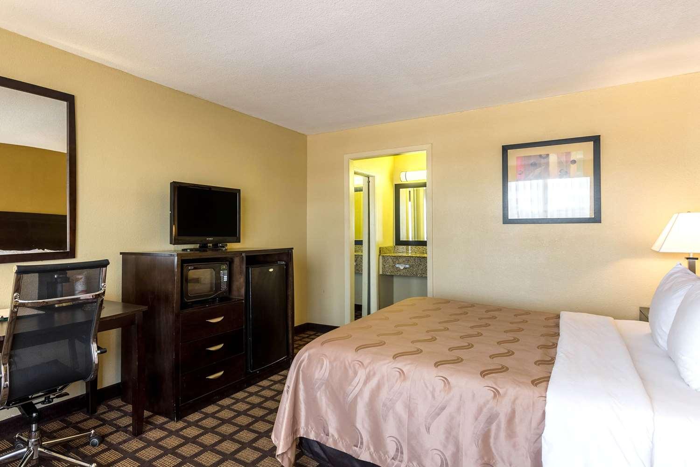 Room - Quality Inn & Suites Port Allen