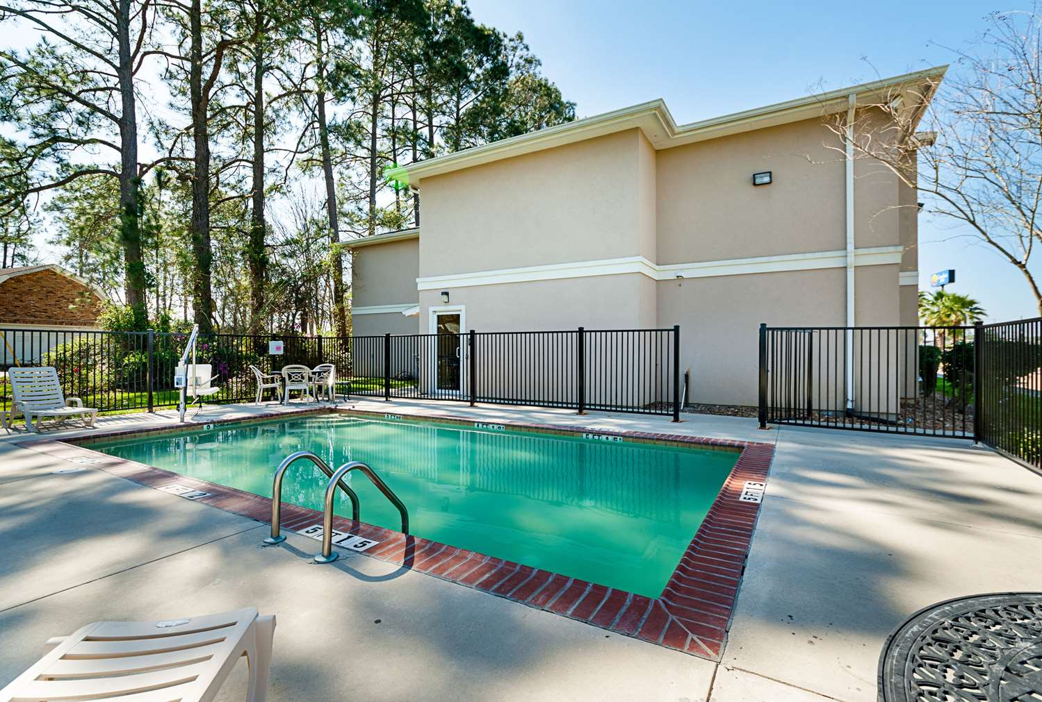 Pool - Comfort Inn Opelousas