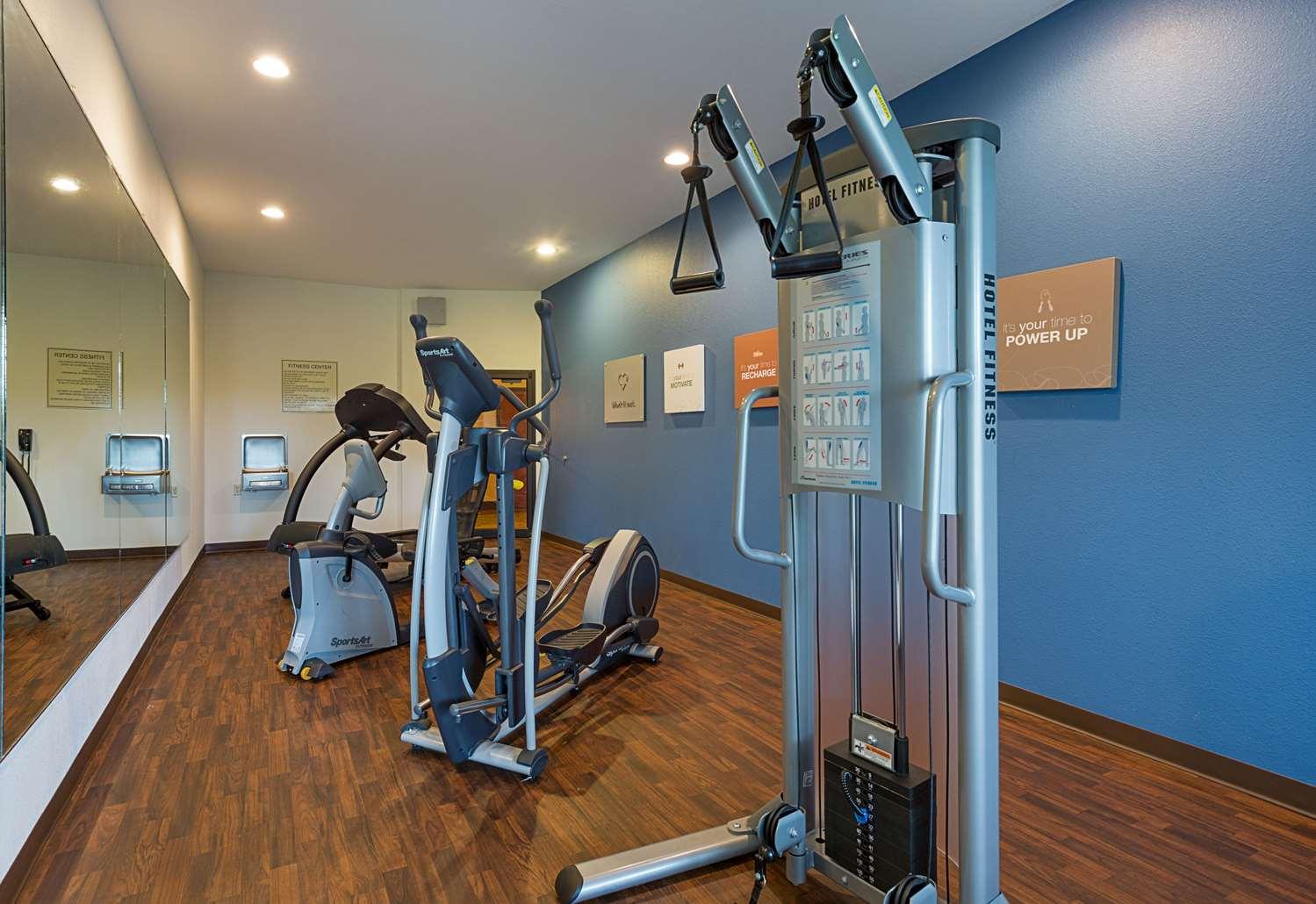 Fitness/ Exercise Room - Comfort Suites Leesville