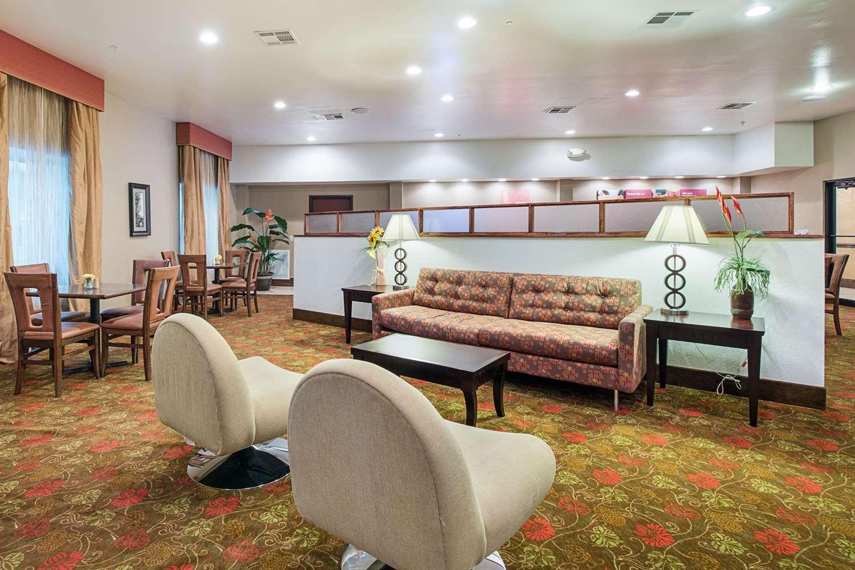 Restaurant - Comfort Suites Leesville
