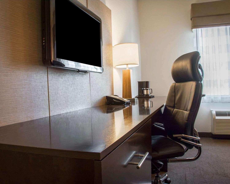 Room - Sleep Inn & Suites Medical Center Shreveport