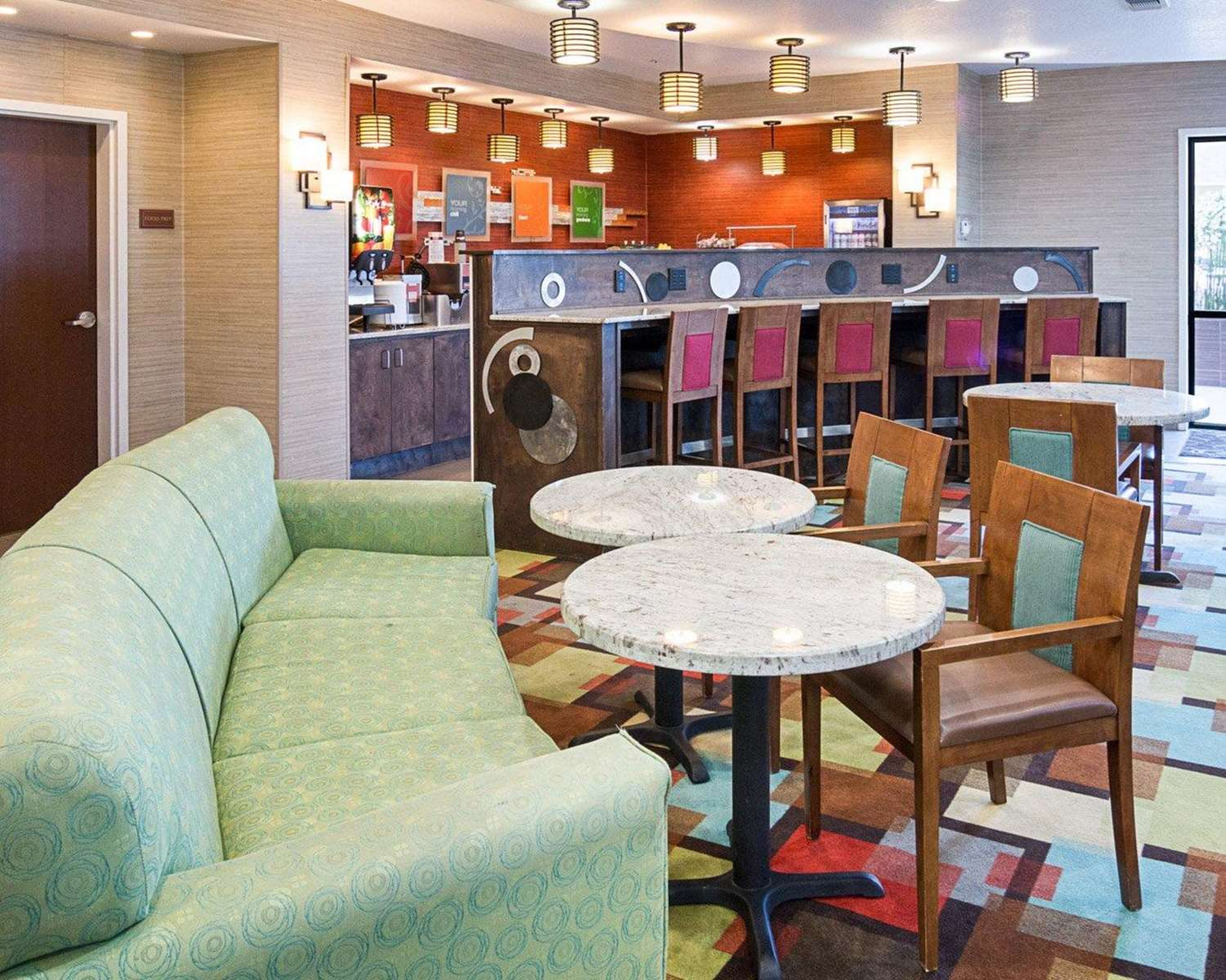 Restaurant - Comfort Suites Natchitoches