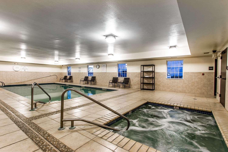 Pool - Evangeline Downs Hotel Opelousas
