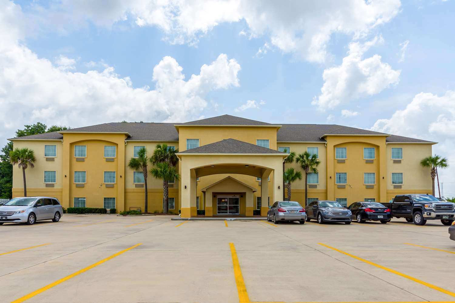 Exterior view - Comfort Inn & Suites Scott