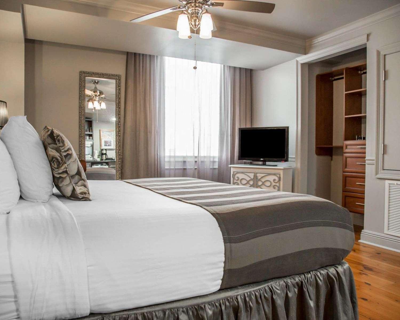Room - Bluegreen Club La Pension Villas New Orleans