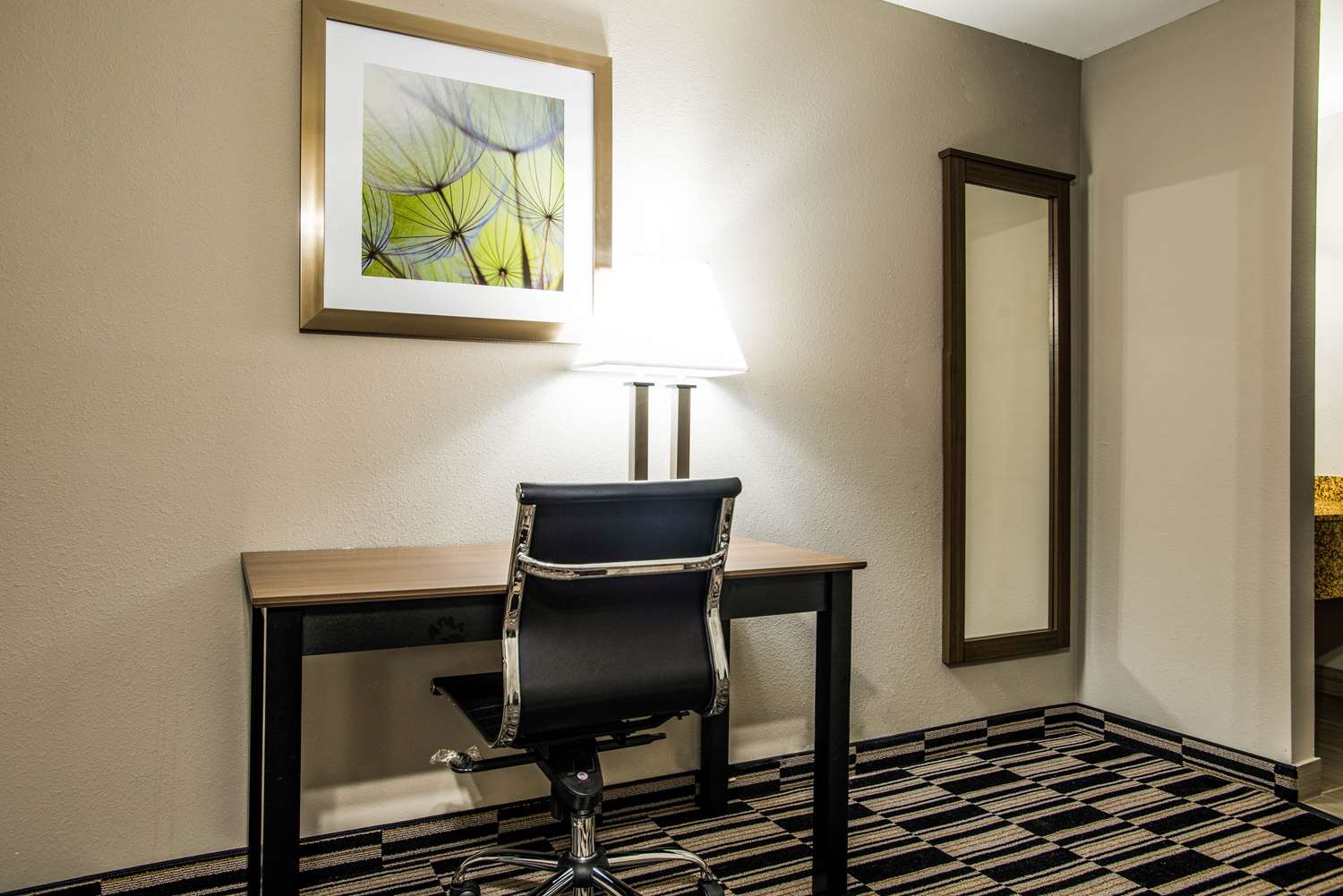 Suite - Quality Suites Lake Charles