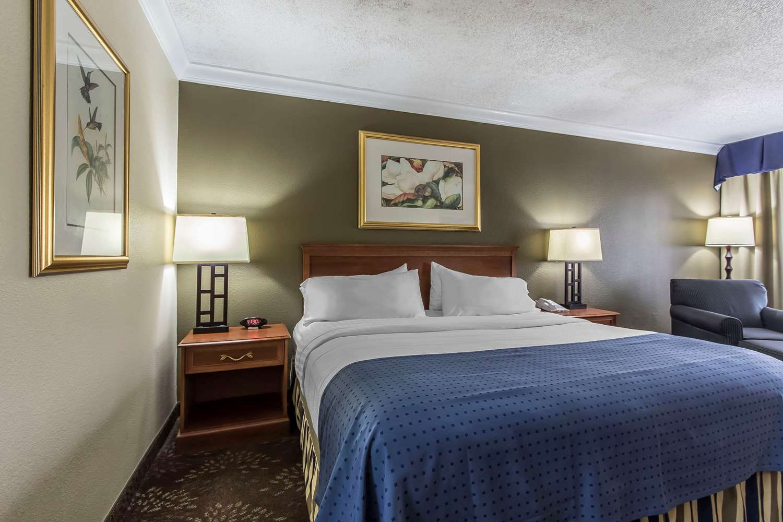 Room - Clarion Inn Morgan City