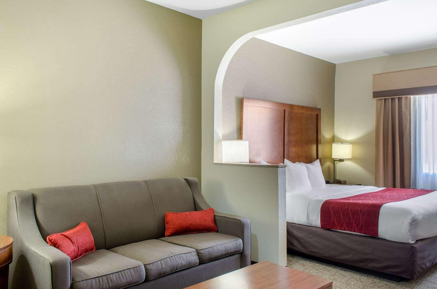 Suite - Comfort Inn & Suites Covington