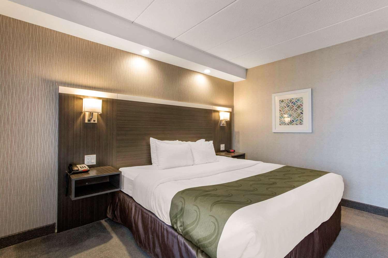 Room - Quality Inn West Springfield