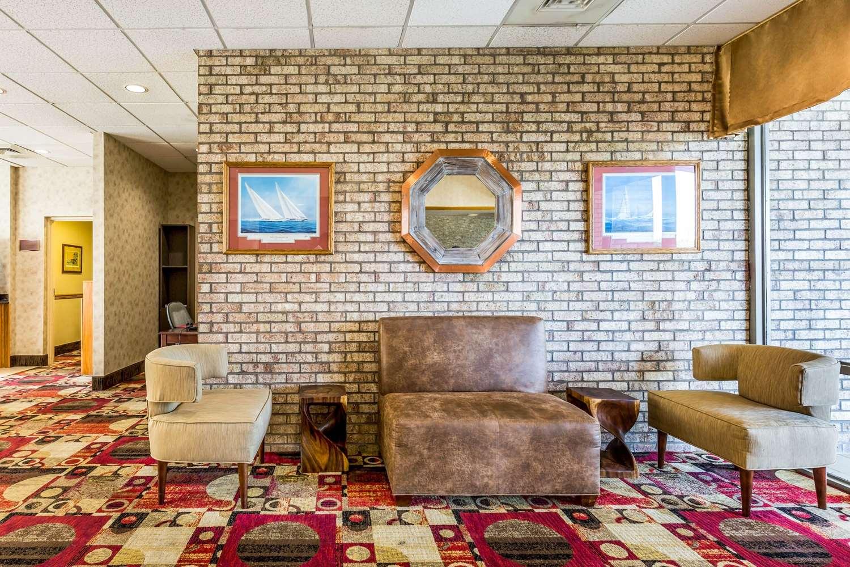 Lobby - Quality Inn Easton