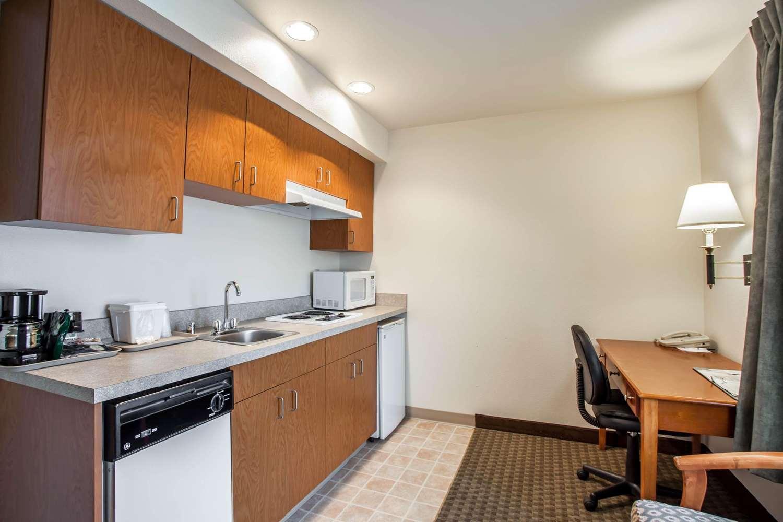 Room - Quality Inn & Suites Federal Way
