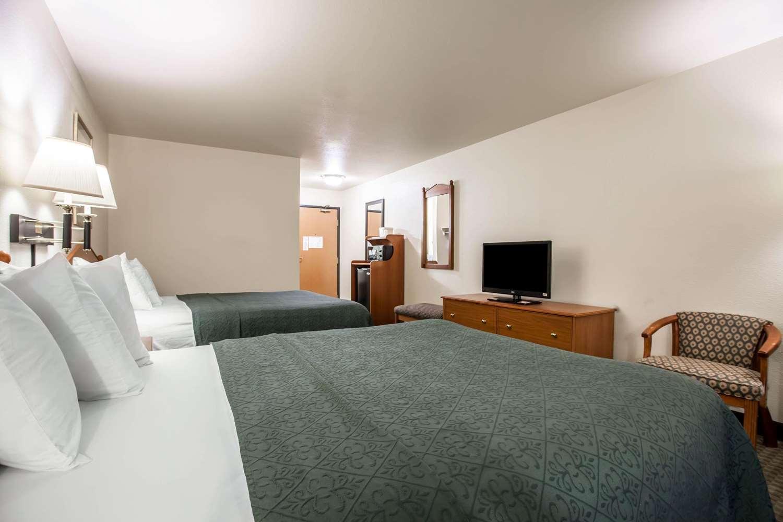 Room Quality Inn Suites Federal Way