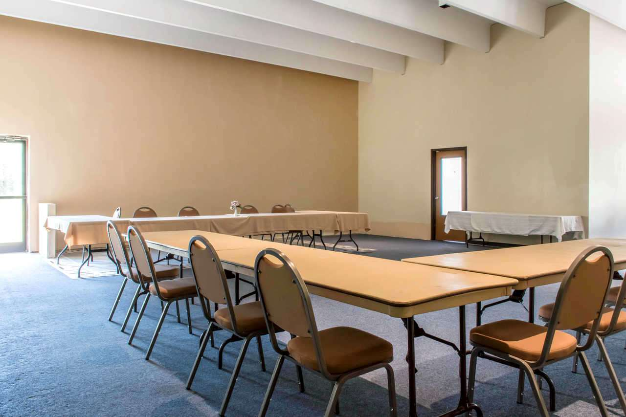 Meeting Facilities - Baymont Inn & Suites Historic Route 66 Barstow