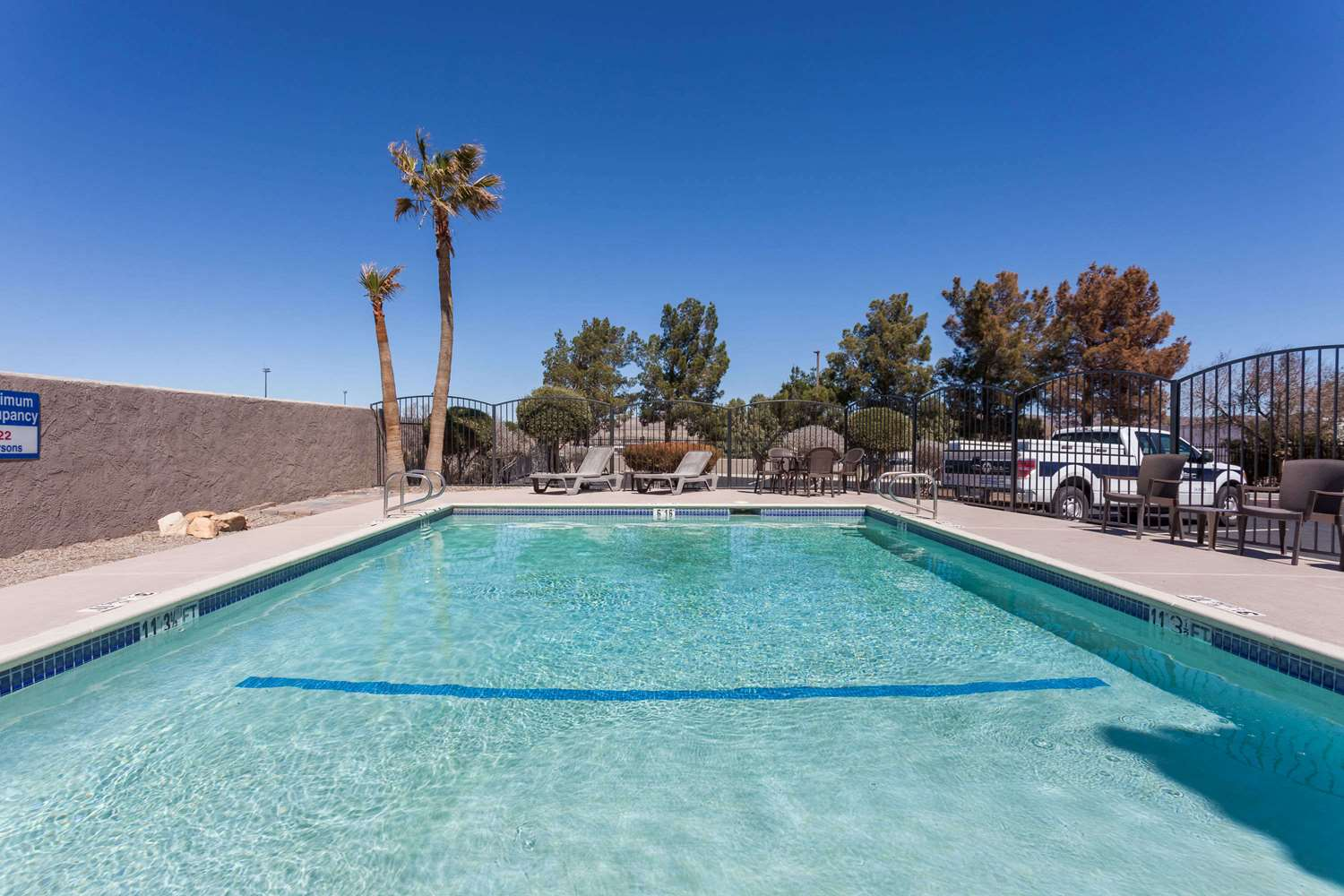 Pool - Baymont Inn & Suites Historic Route 66 Barstow