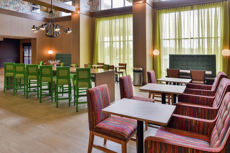 Lobby - Hampton Inn & Suites Oakdale
