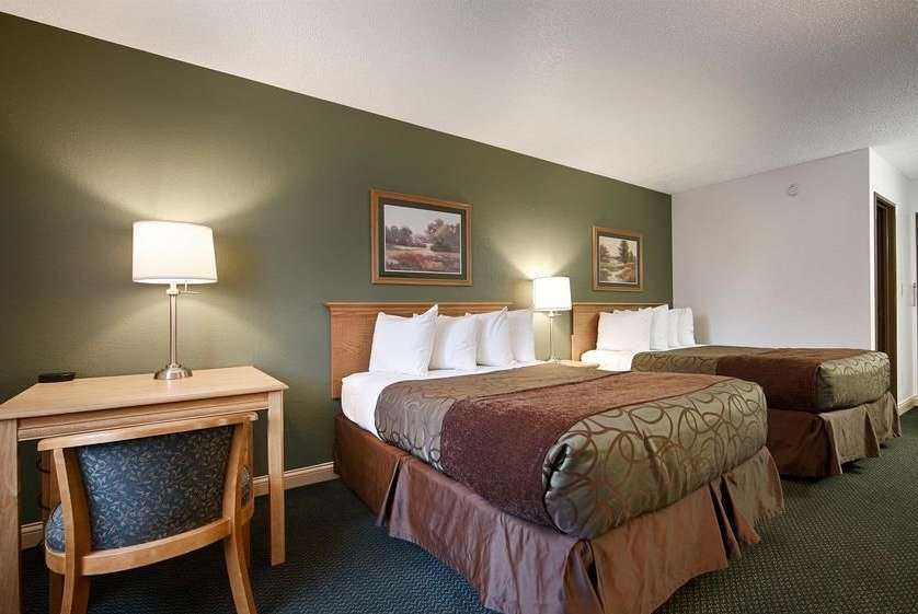 Room - Baymont Inn & Suites Robinson
