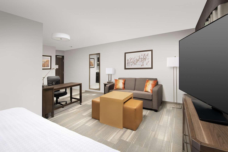 Room - Homewood Suites by Hilton Kansas City Speedway