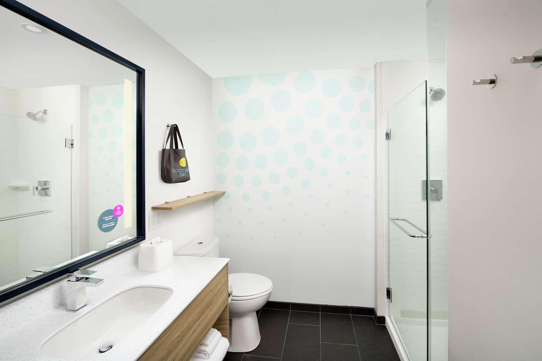 Room - Tru by Hilton Hotel Jeffersontown
