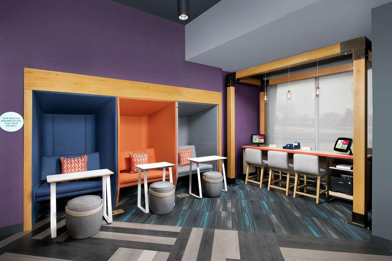 Conference Area - Tru by Hilton Hotel Jeffersontown
