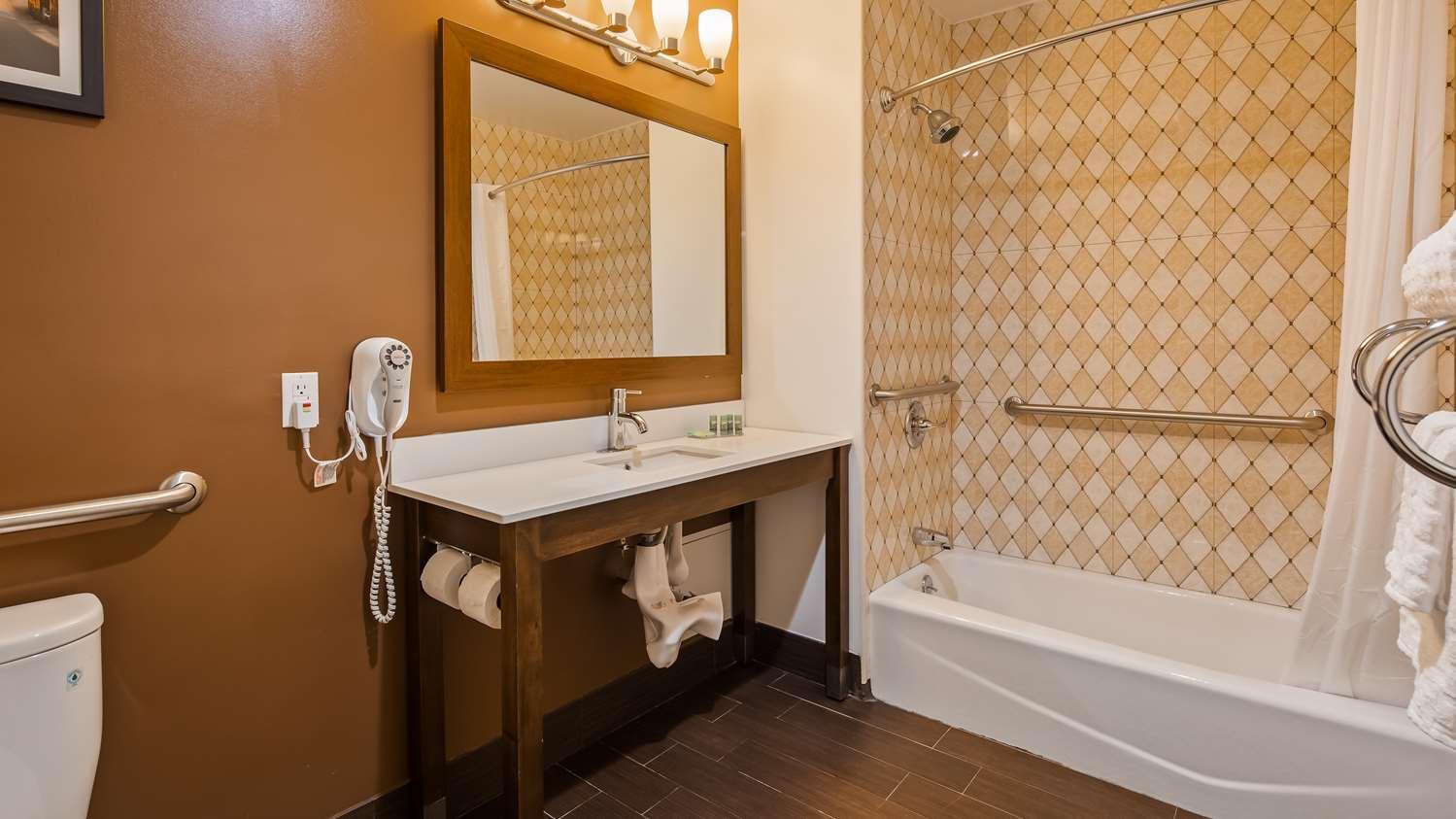 Room - Best Western Far Rockaway Inn