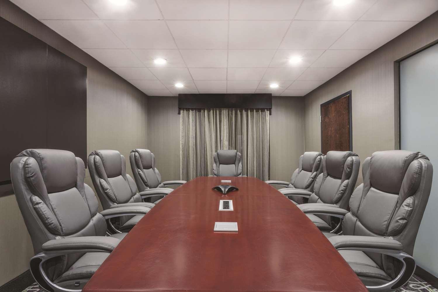 Meeting Facilities - La Quinta Inn & Suites Columbus