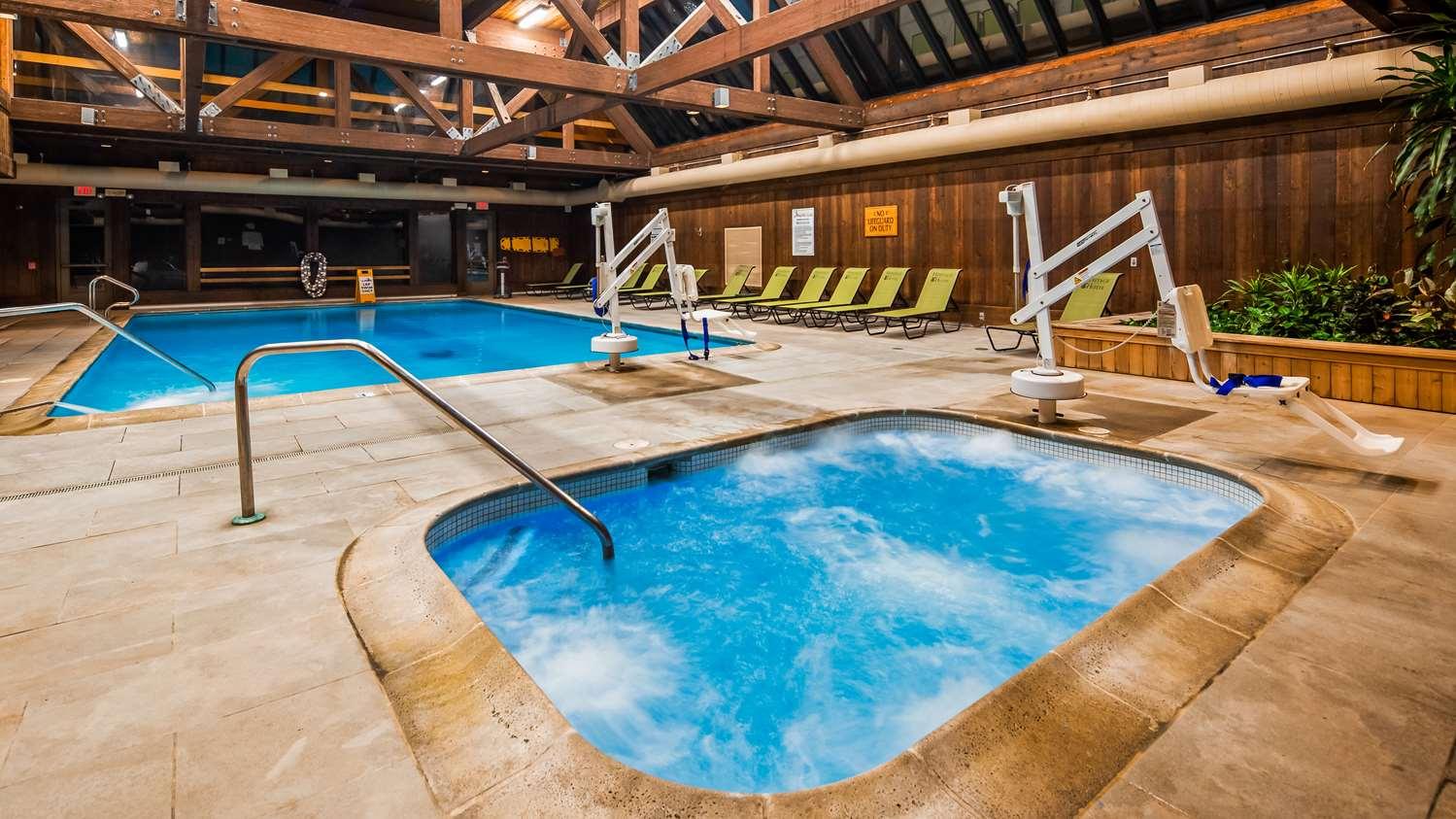 Pool - Heritage Hotel Southbury