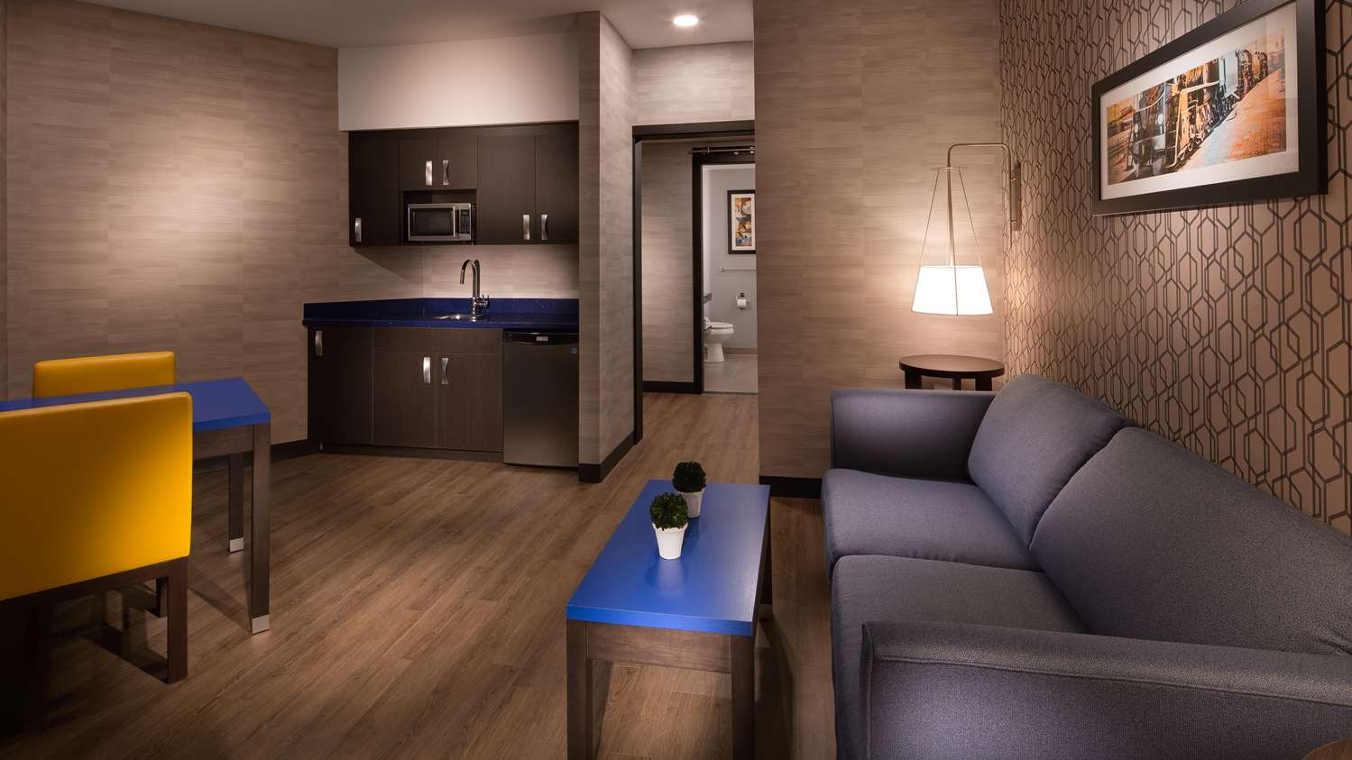 Room - GLo Best Western Kanata Hotel