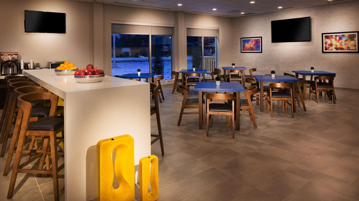 Restaurant - GLo Best Western Kanata Hotel