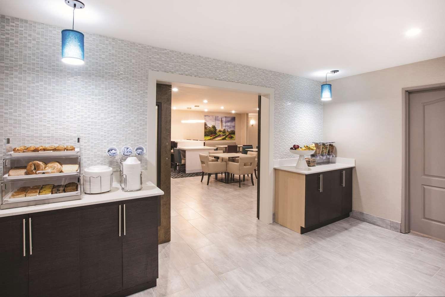 proam - La Quinta Inn & Suites Walker