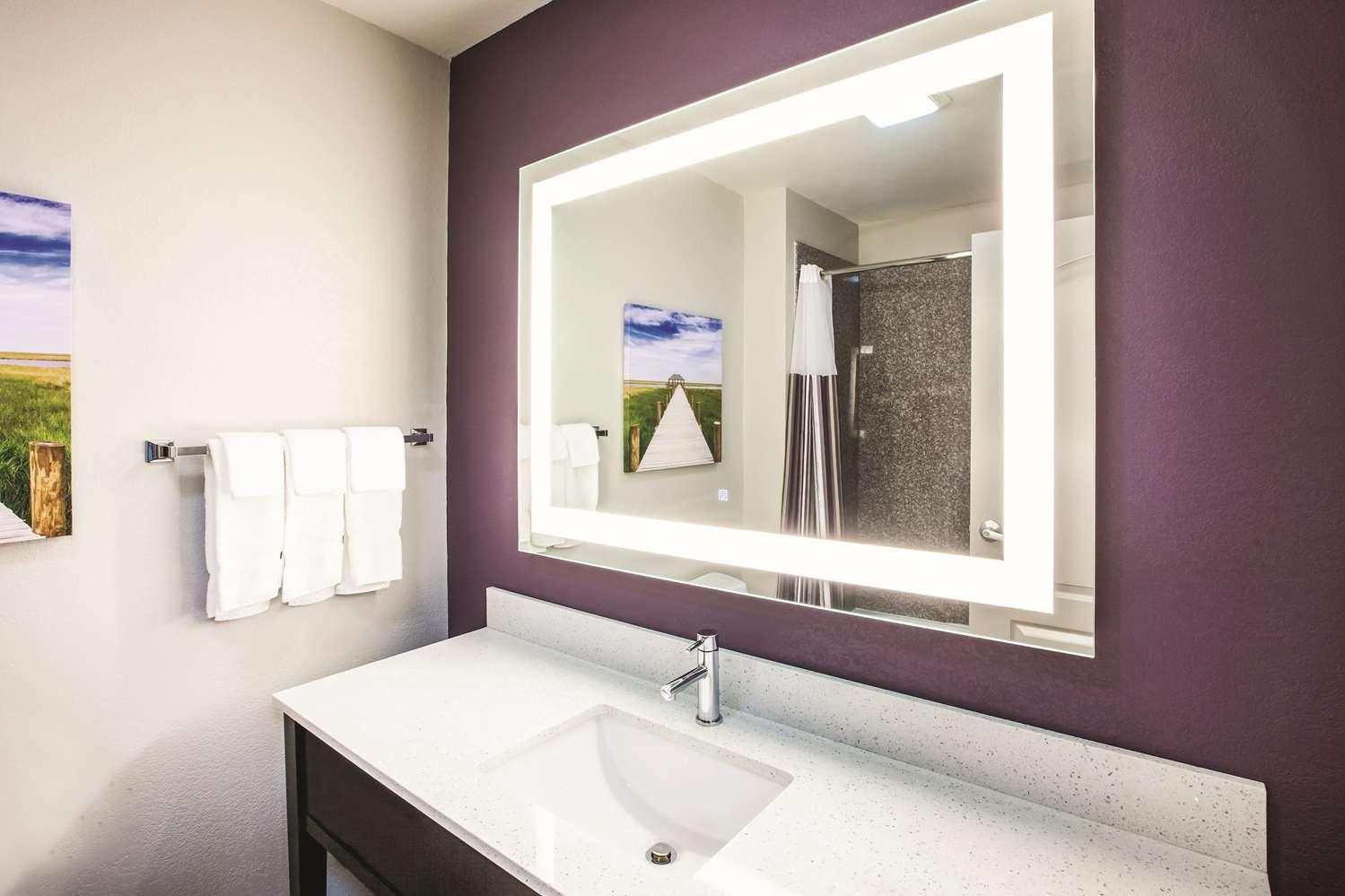 Room - La Quinta Inn & Suites Walker
