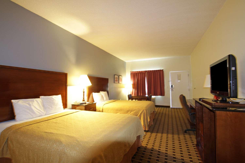 Room - Americas Best Value Inn Kinston