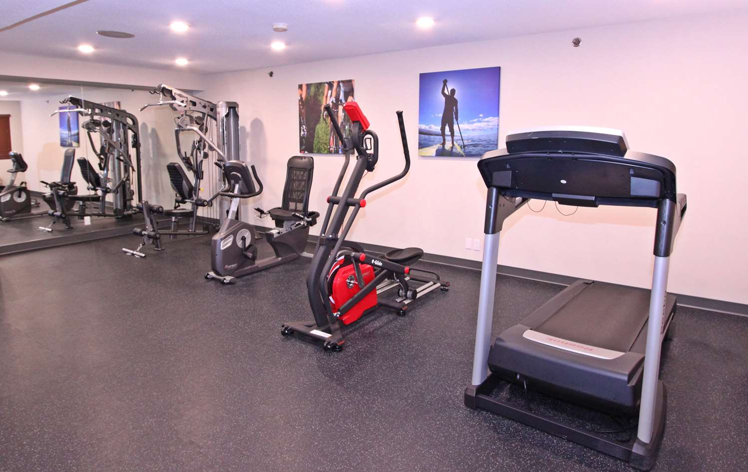 Fitness/ Exercise Room - Accent Inn Burnaby