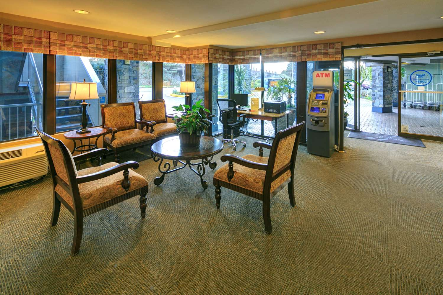 Conference Area - Accent Inn Vancouver Airport Richmond
