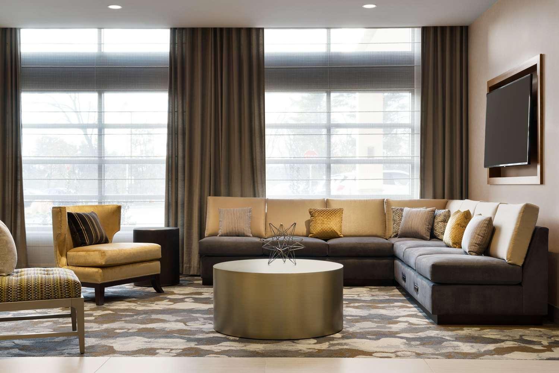Lobby - Hilton Garden Inn Newtown Square