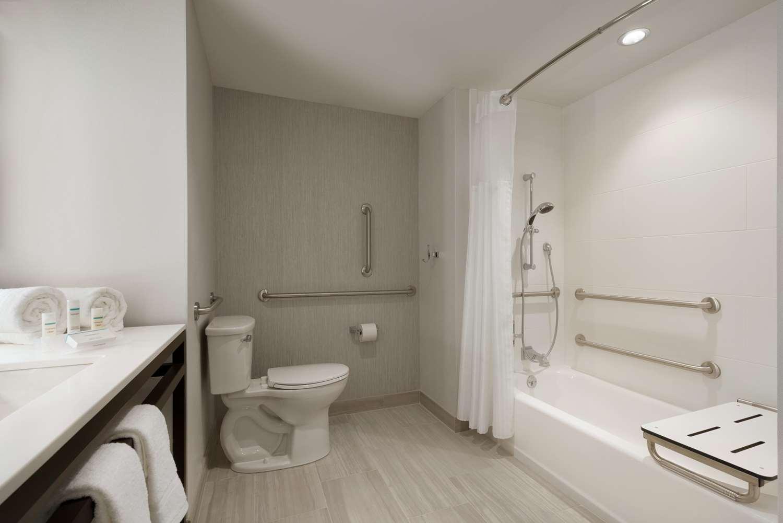 Room - Hilton Garden Inn Newtown Square