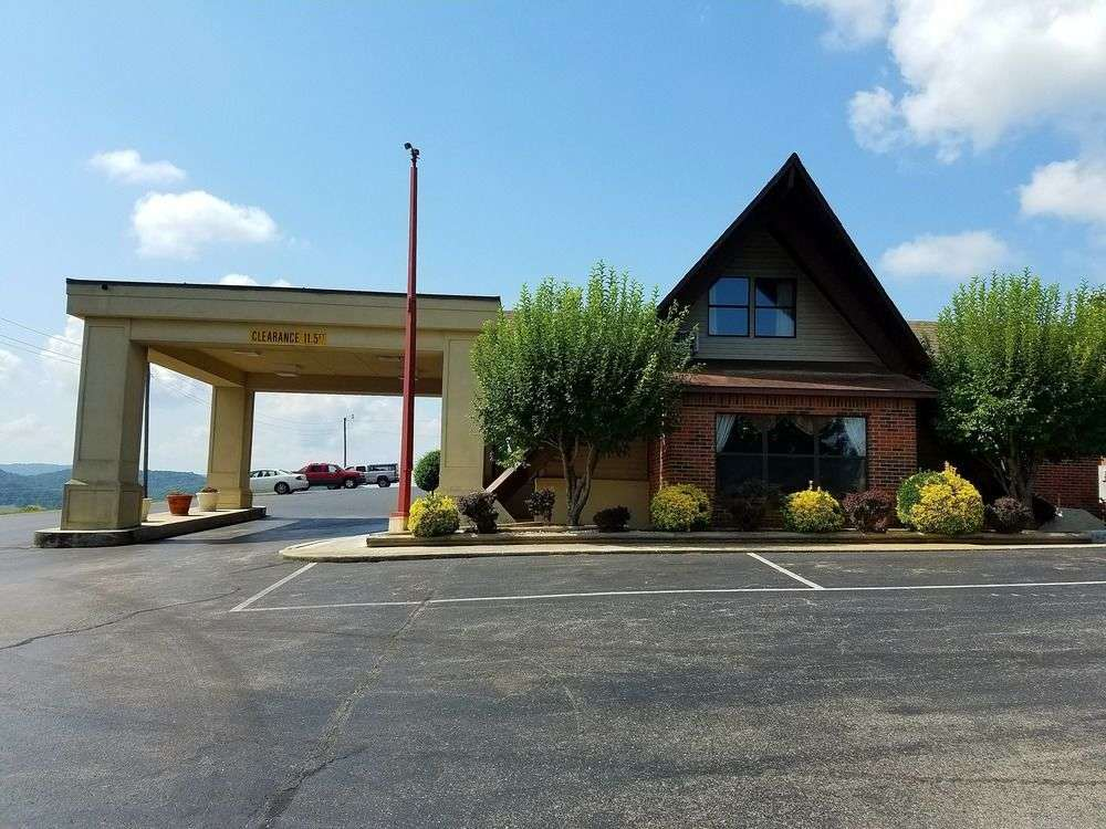 Exterior view - Baymont Inn & Suites Cookeville