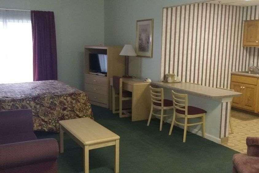 Suite - Baymont Inn & Suites Cookeville