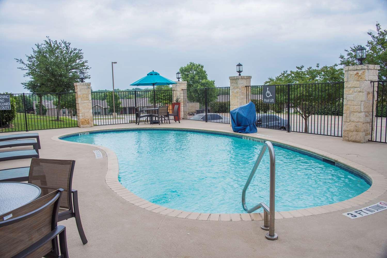 Pool - Best Western Plus Killeen Fort Hood Hotel & Suites