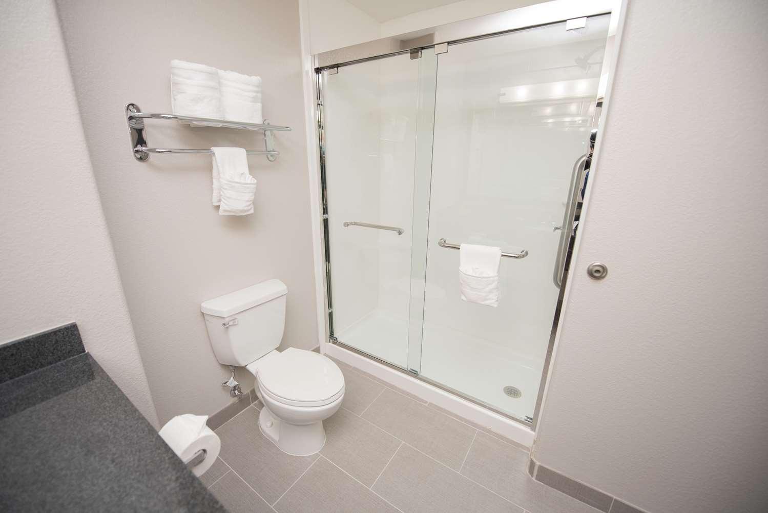 Room - Best Western Plus Killeen Fort Hood Hotel & Suites
