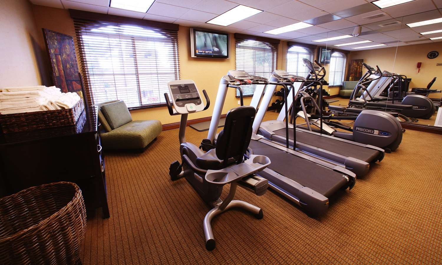 Fitness/ Exercise Room - La Bellasera Hotel & Suites Paso Robles
