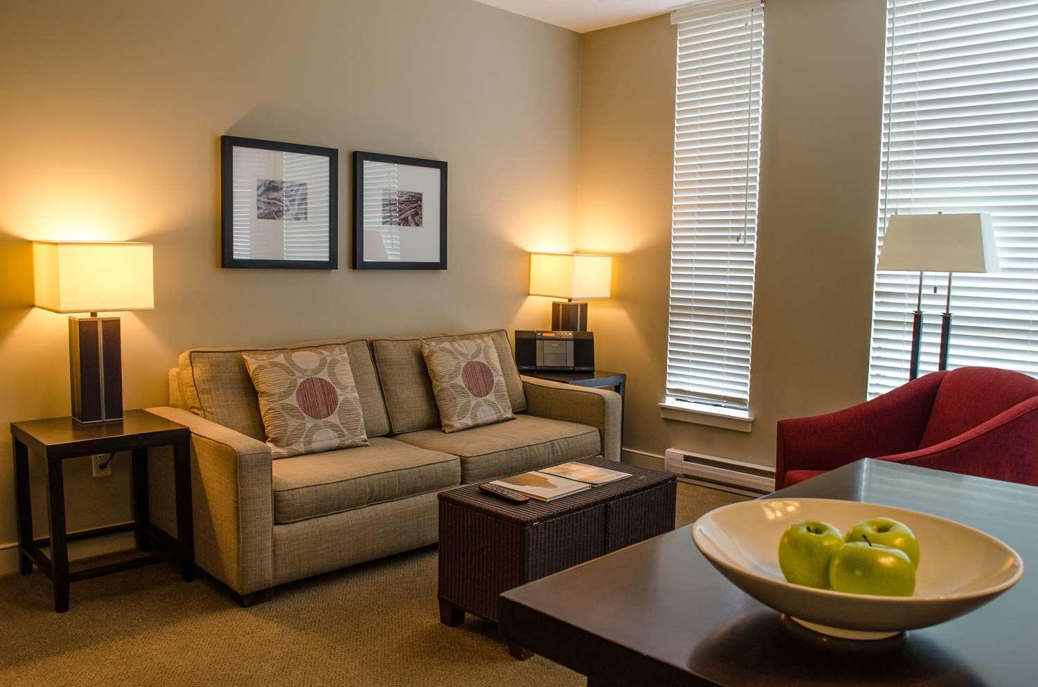 Room - Oswego Hotel Victoria