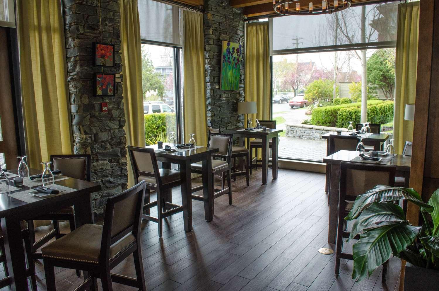 Restaurant - Oswego Hotel Victoria