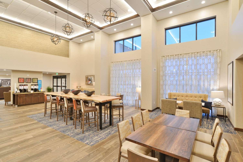 Lobby - Hampton Inn & Suites Menomonie