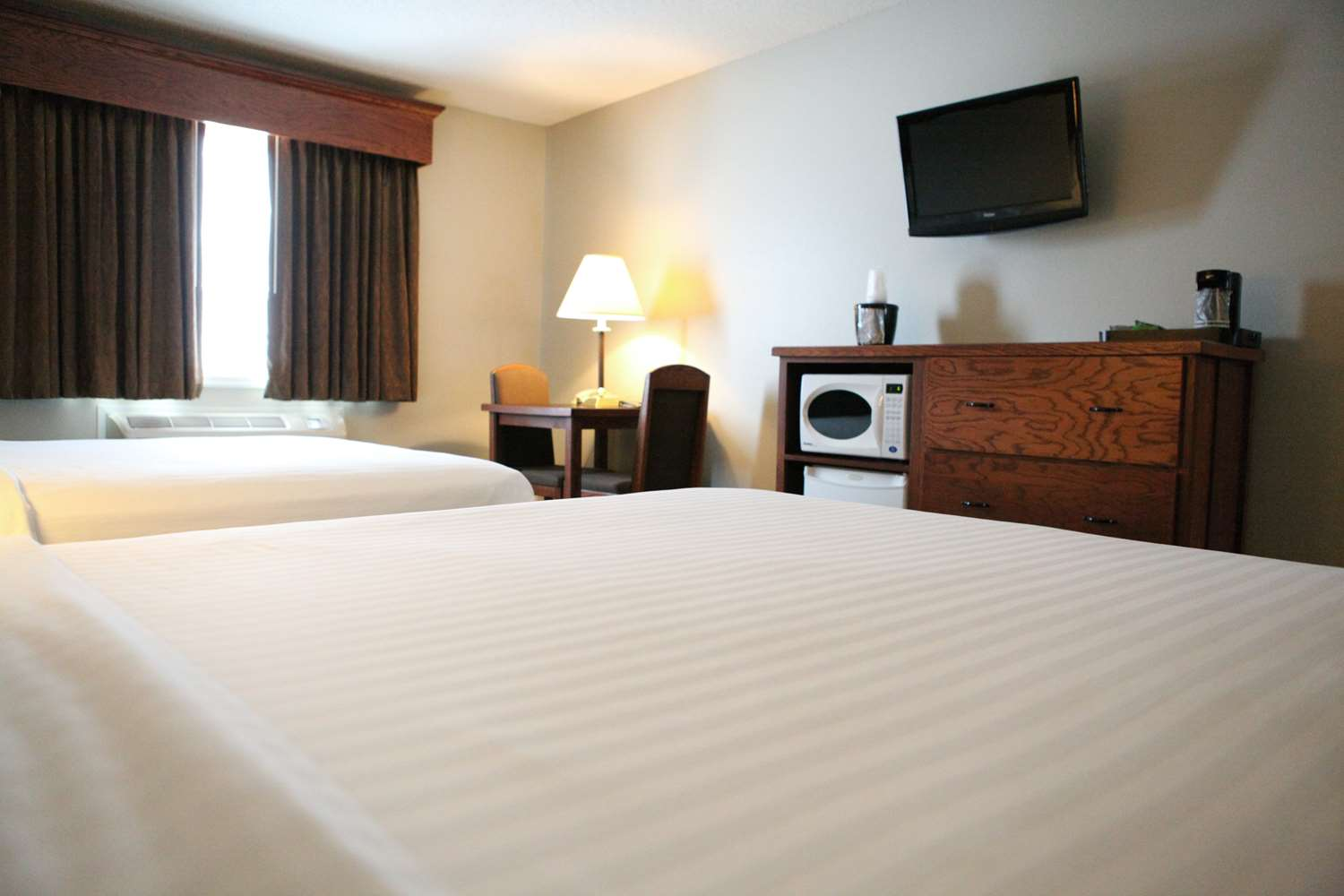 Room - GrandStay Hotel & Suites Perham