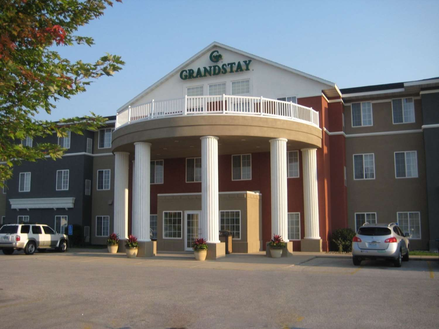 Exterior view - GrandStay Hotel & Suites Ames