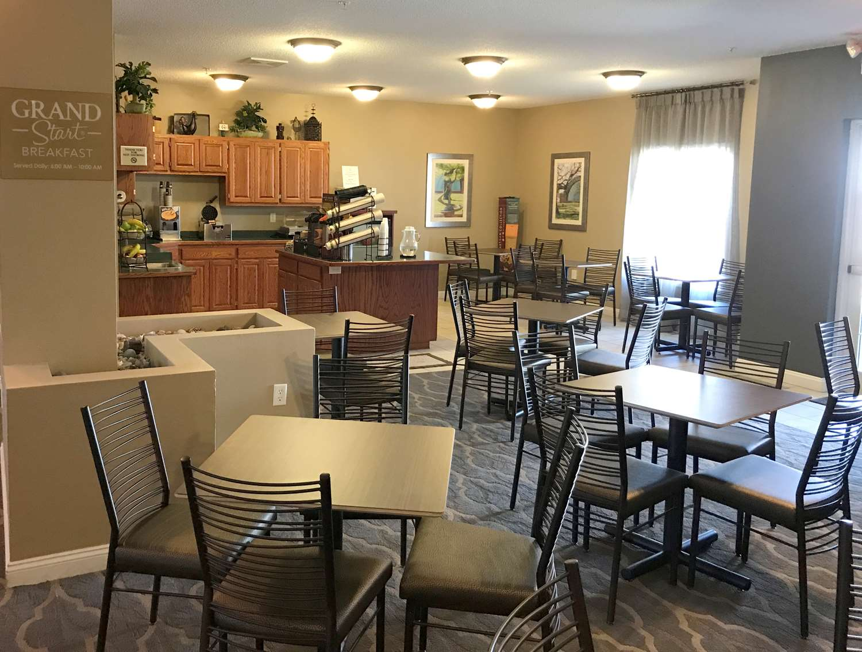 Restaurant - GrandStay Hotel & Suites Ames