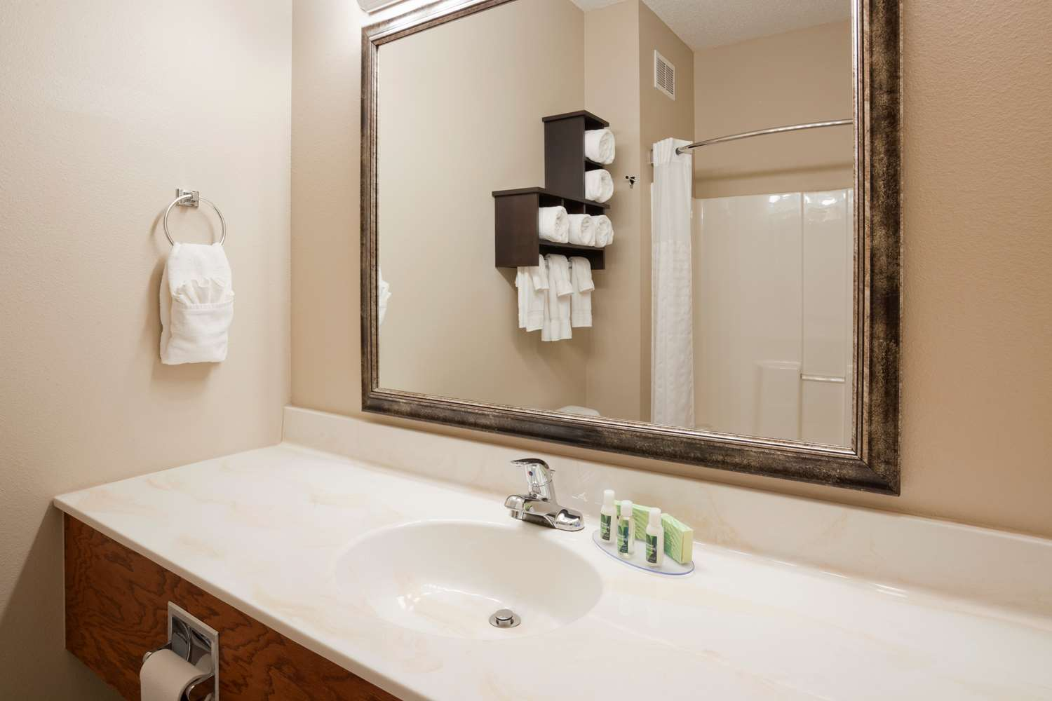 Room - Grandstay Residential Suites Rapid City
